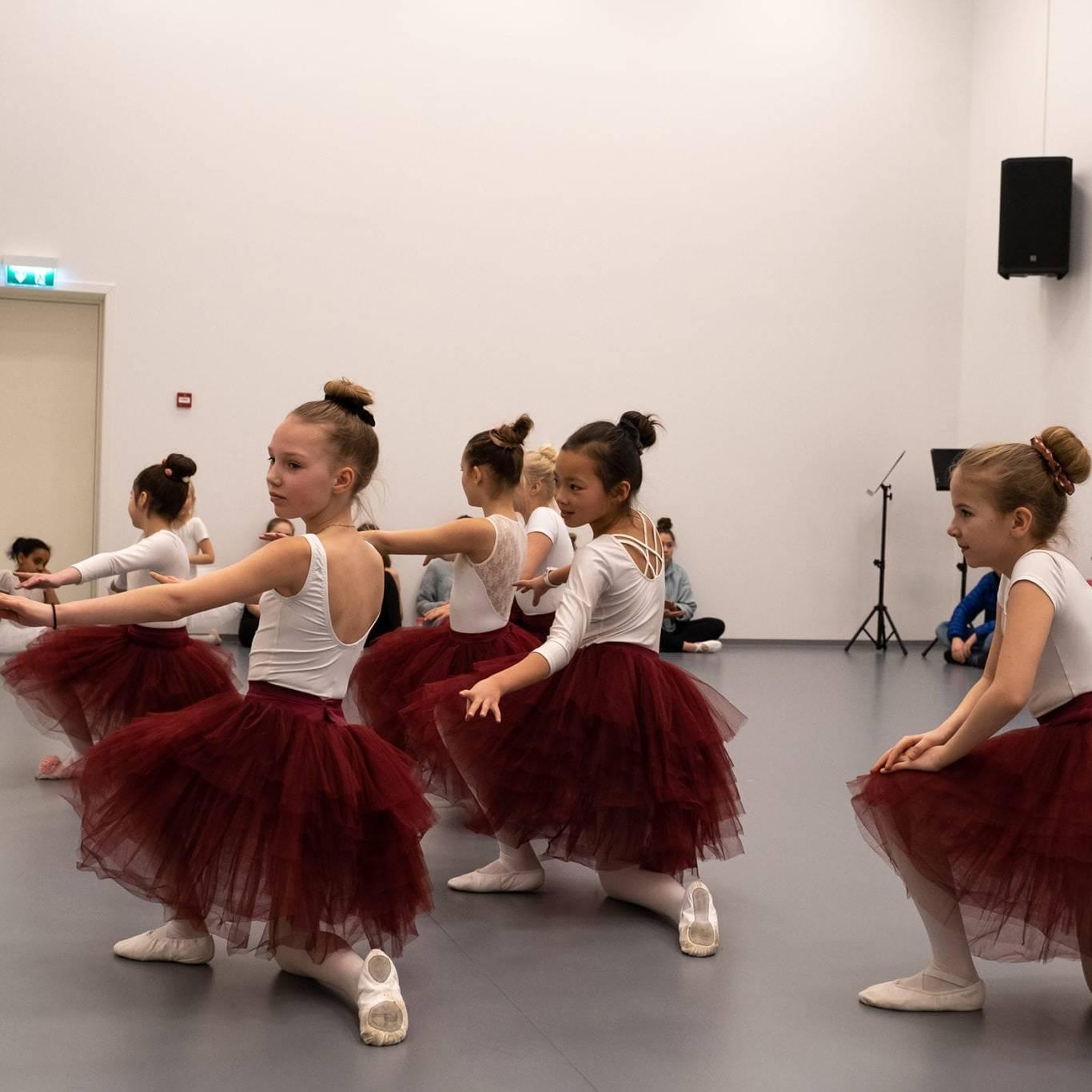 Ballettgruppa Midi fra Røros kulturskole. Foto: Trine Lysholm Hagan.